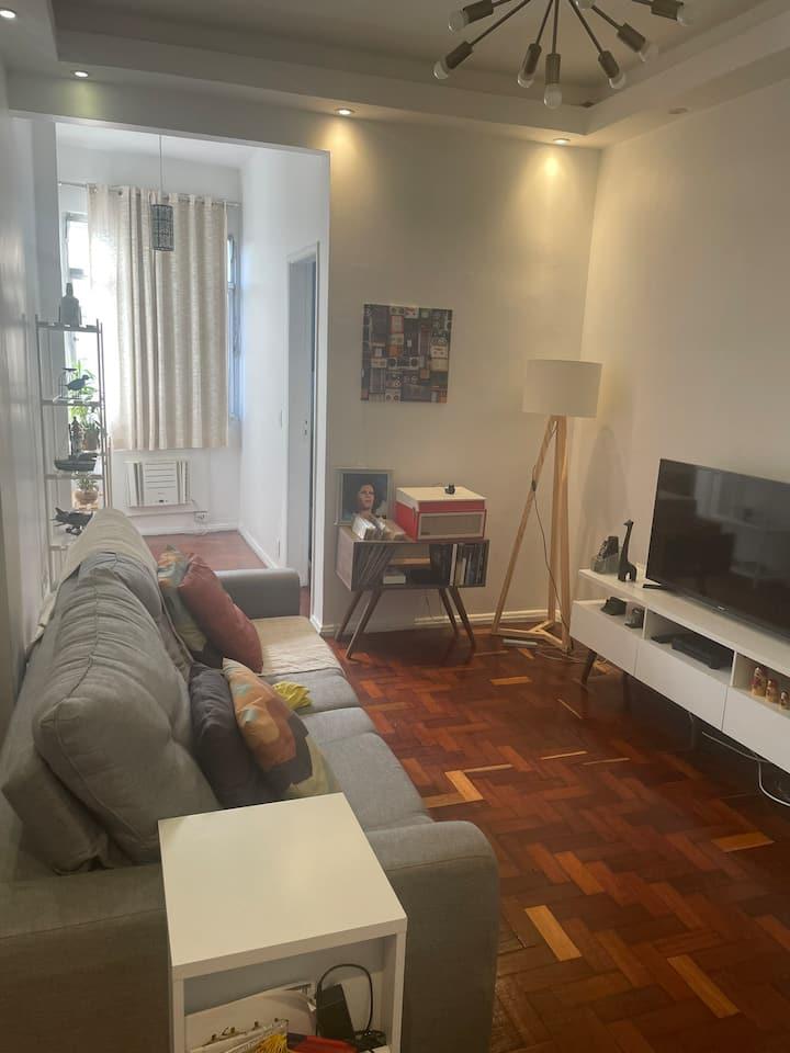 Apartamento em Copacabana com ótima localização.