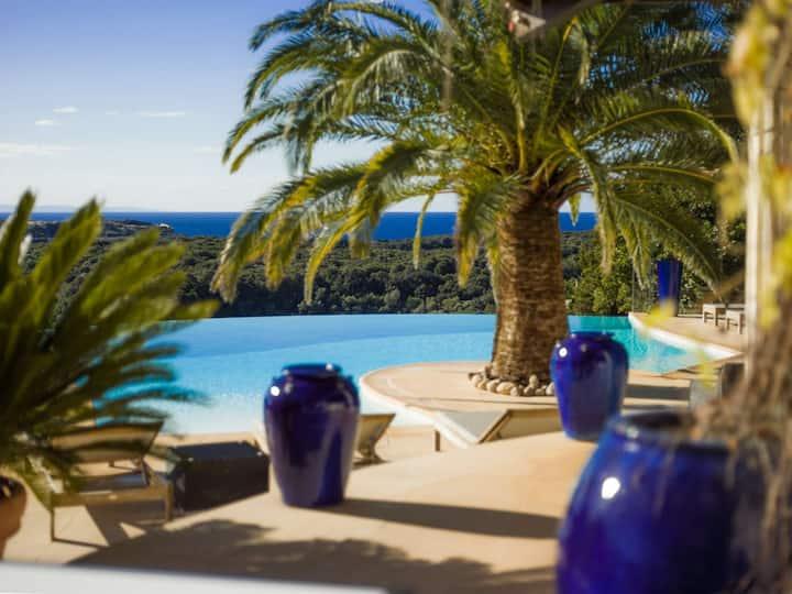 Mini-villa F2, équipée, vue incroyable sur la mer