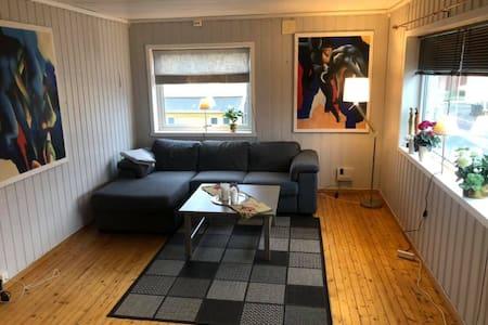 Koselig Leilighet med 1 soverom i Vardø.
