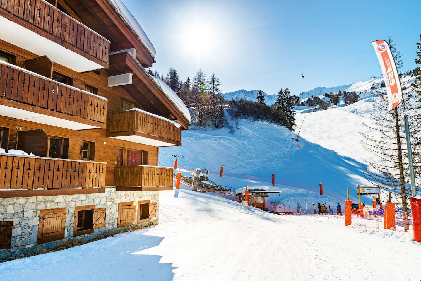 Enjoy a ski vacation in La Plagne 1800!