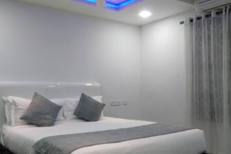 Executive Single Room, Nungambakkam - Chennai - Apartament