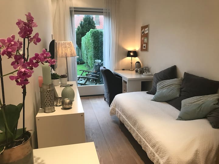 Private, Cosy room with shower (A'dam&Beach)