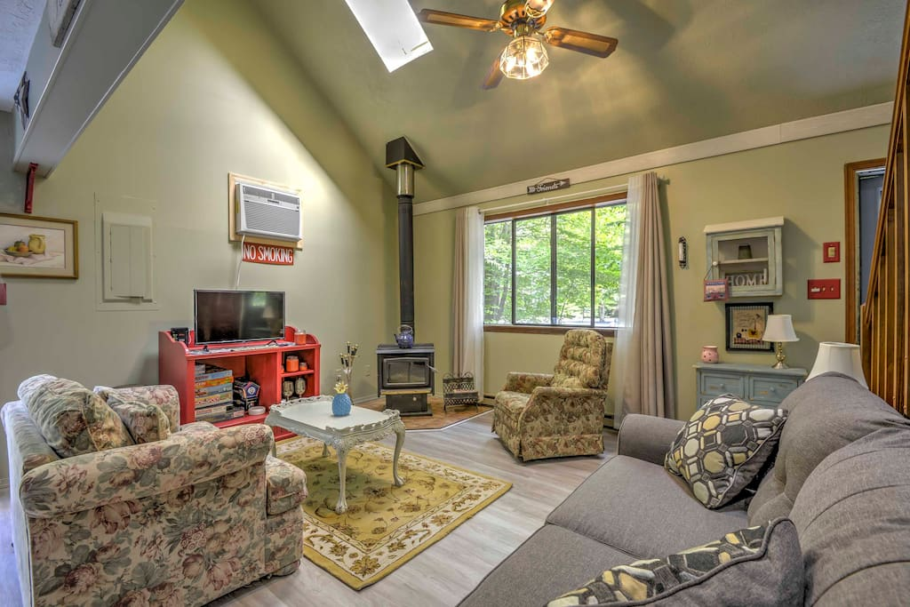 Step inside to be greeted by 1,500 square feet of cozily appointed living space.