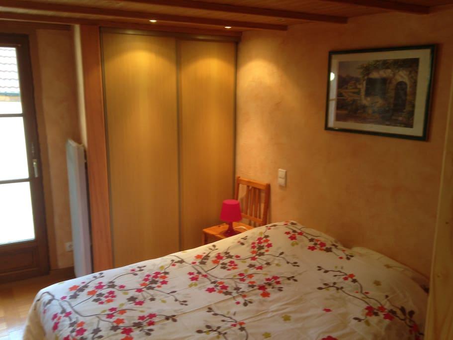 g te meubl touristique et v los h user zur miete in lantenay burgund frankreich. Black Bedroom Furniture Sets. Home Design Ideas