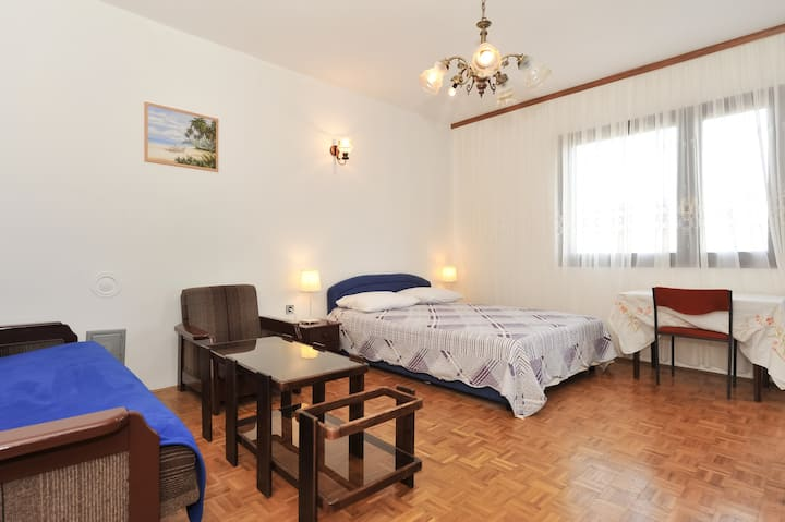 Affordable 5person ap. Zadar,Kozino