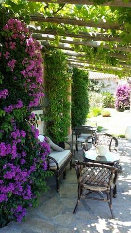 pranzo e salotto esterno