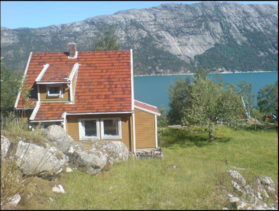 Flørli the house