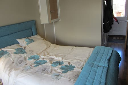 3 DOUBLE RMS FOR 5 or 6 GUESTS ONLY - Prestonpans