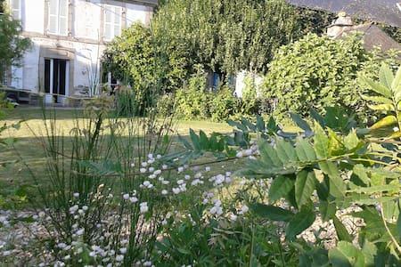Argentat, vallée dordogne - Monceaux-sur-Dordogne