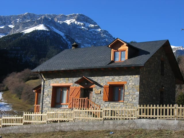 Mountain chalet with fantastic view