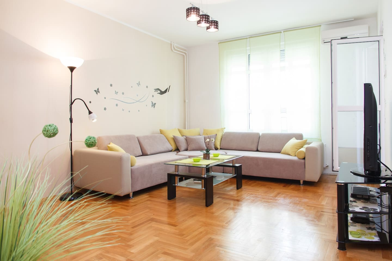 Livingroom...old corner sofa