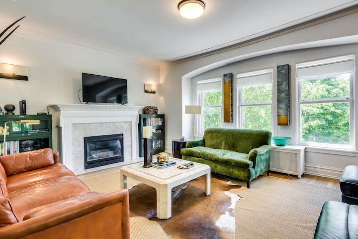 Bright Large Logan Square 3 Bedroom