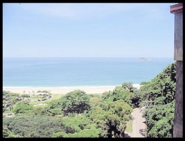 Suíte São Conrado with Ocean View