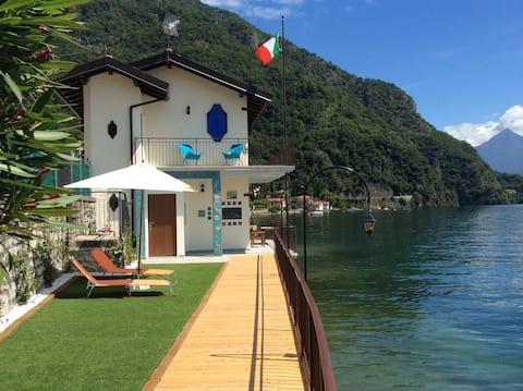 Villa Damia, directly on the lake
