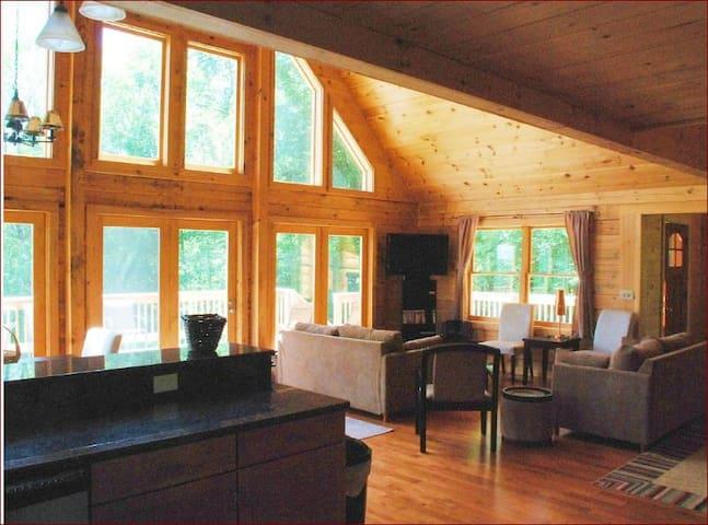3 bedr 2 Bath sleeps 12 Mountain Retreat - Prattsville - Casa