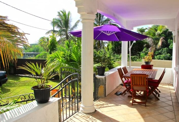Terrasse et jardin rez-de-chaussée