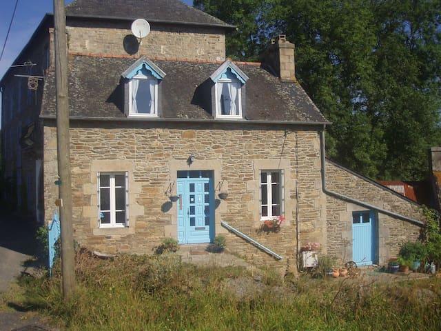 En suite ground floor studio for 2 Brittany France