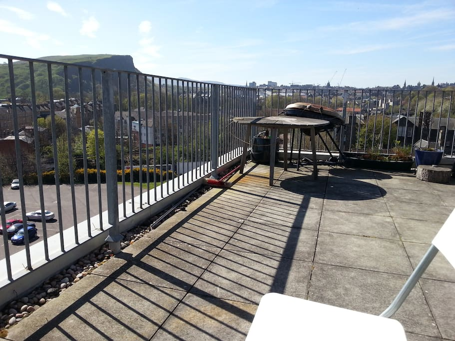 private bathroom in a double bed, great view, terrace ,kitchen and hall to share