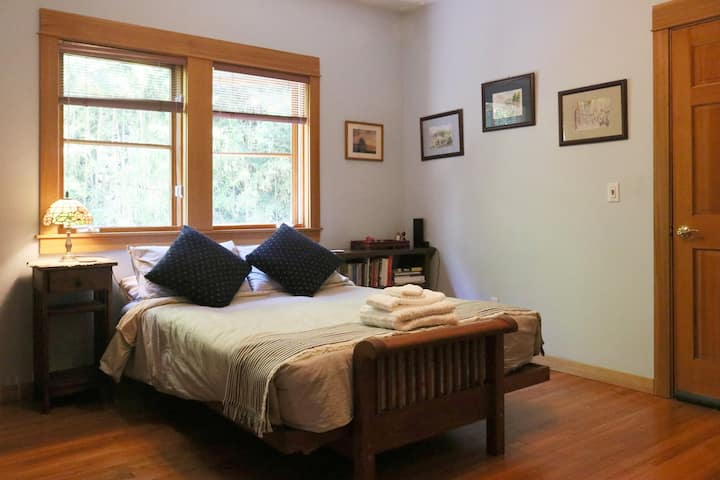 .Ground floor bedroom in QueenAnne home