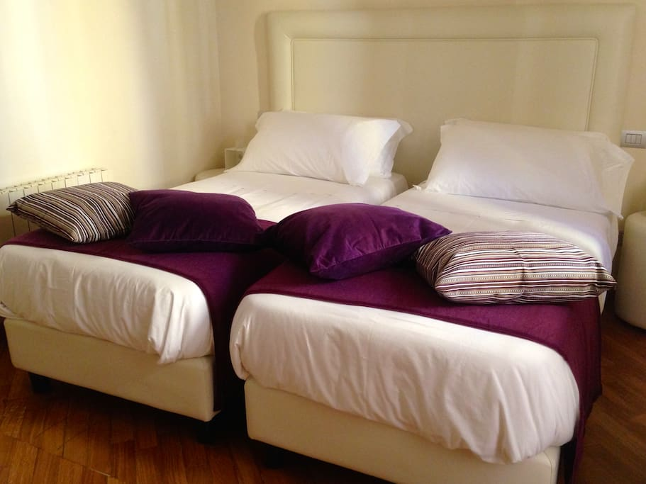 The Twin Beds are of excellent workmanship: complete rest is guaranteed and they meet any needs for the overnight stay (single beds or a super king bed for one or two people).