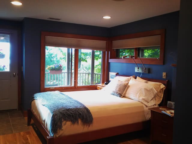 The Blue Room with queen bed