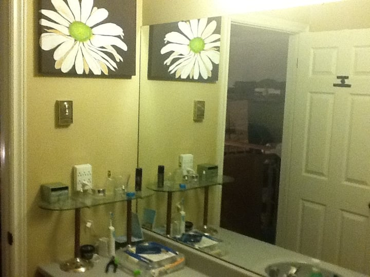 Bedrm  Double bed Private Bathroom