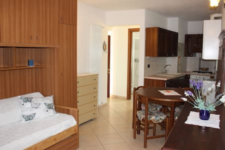 PICCOLO MONOLOCALE IN VILLETTA - Apartmen