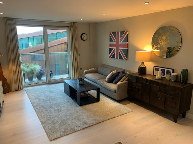 Cosy modern flat in perfect location