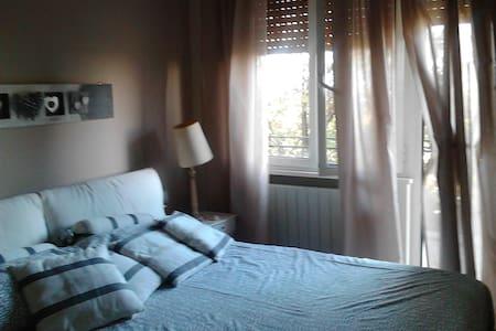 luminoso appartamento con vista - Appartamento