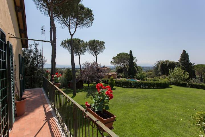 Villa con piscina immersa nel verde - Sacrofano - Villa