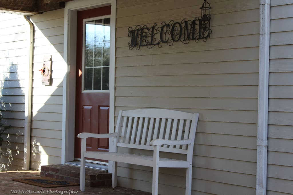 Welcome to Hickory Springs!  Come in and enjoy your stay!!!!