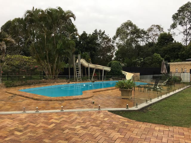 Private retreat-Pool & Tennis Court - Coffs Harbour - Casa