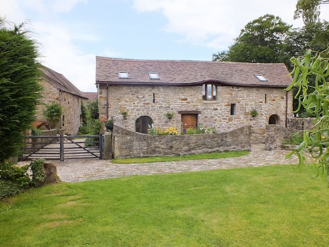 The Byre (OM6)