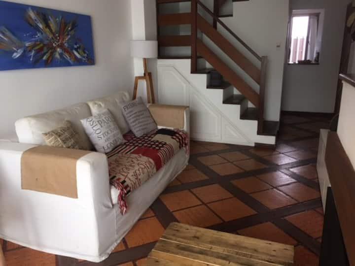 Hermosa y Práctica casa en Parque Rodo!