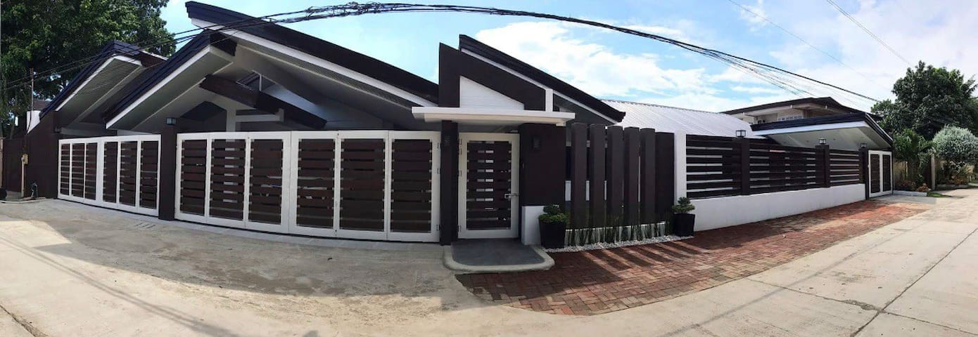 Big House w/nice location near SM & Ateneo