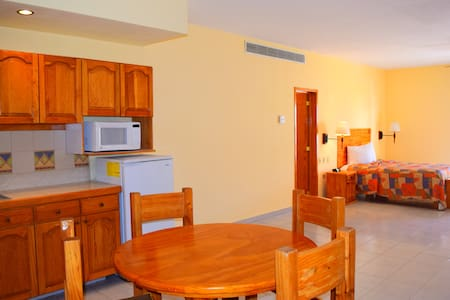 Great Location. Studio for 2. Fully Equipped. - Loreto - Apartment-Hotel