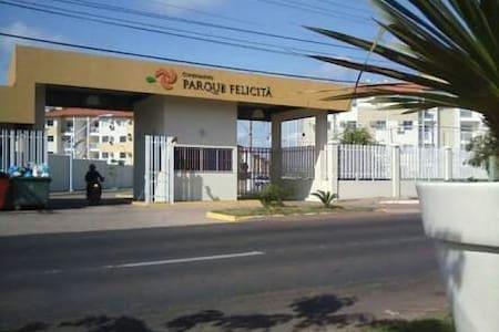 Quarto em apto de Condomínio - Macapá - Flat