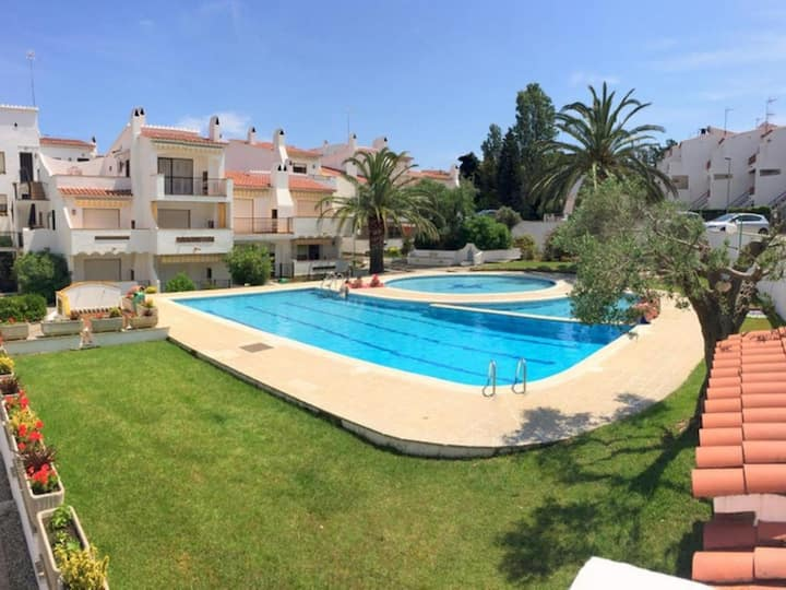 Apartment with pool for rent in Roses- JARDINS 1B-26