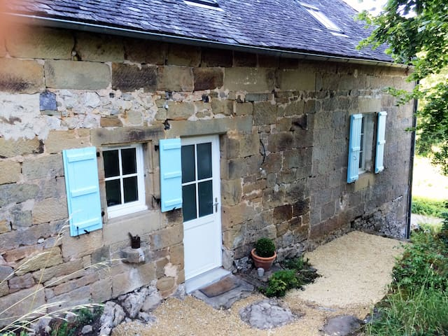 House full of charm - Lissac-sur-Couze - Huis