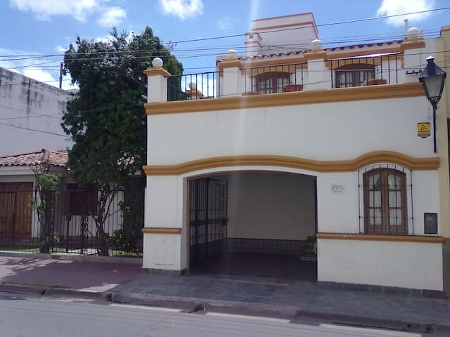 Caseros 44 Bed & Breakfast