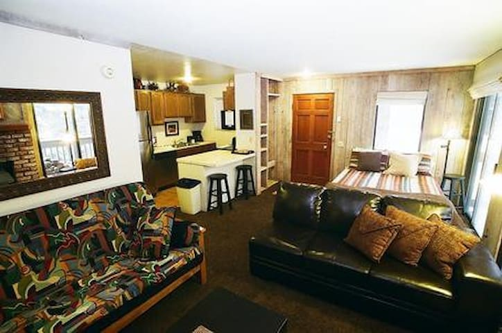 Secluded 4 Person Mammoth Studio - Mammoth Lakes - Appartement