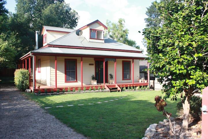 Sandalwood Cottage - Blue Mountains - Wentworth Falls - Rumah