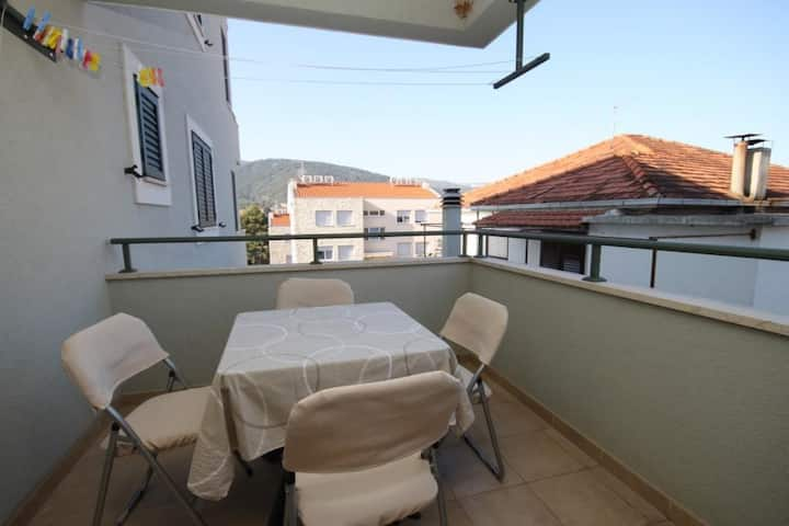 Two bedroom apartment with terrace Stari Grad, Hvar (A-8704-a)