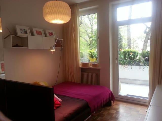 helle moderne Wohnung in Rheinnähe - Colònia - Pis