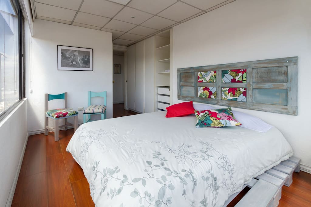 Room 1: Espectacular view, queen size bed, luminosity, spacious