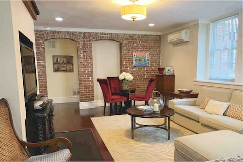 C&J Historic Updated Apartment in Morristown