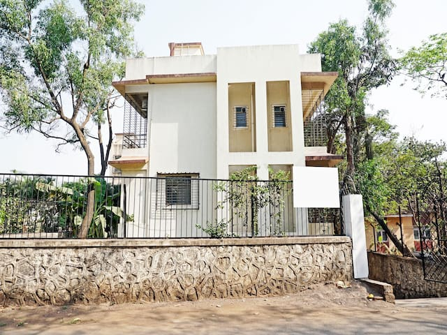 OYO - Classic 2BHK Home in Lonavala - Flash Deal⚡