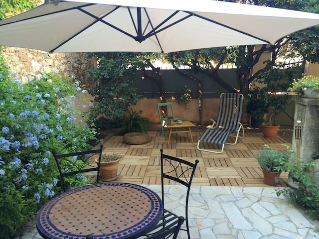 Independant studio on garden level - Toulon - Hus