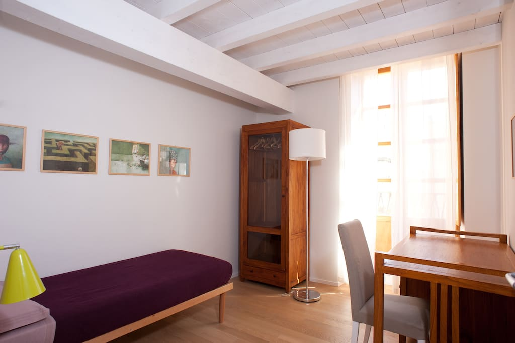 Low profit room in historic centre chambres d 39 h tes for Chambre d hote sardaigne