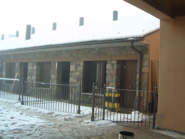 Casa en el valle de Benasque - Castejón de Sos - Řadový dům